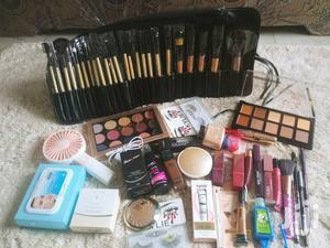 The Golden Makeup Set | Health & Beauty Services for sale in Ashanti, Kumasi Metropolitan