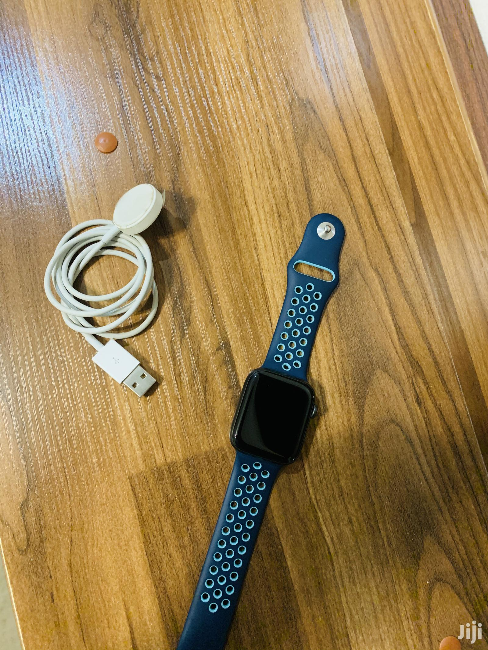 Archive: Apple Watch Series 5 44mm Nike Edition