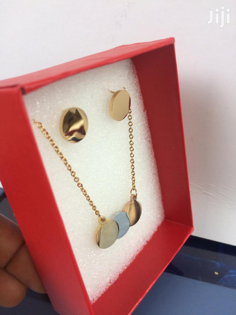 Quality Ladies Necklace With Earrings